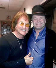 friends-Micky-Dolenz